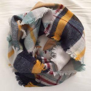 Accessories - Cowl neck scarf
